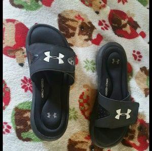 Under armour sandals 9